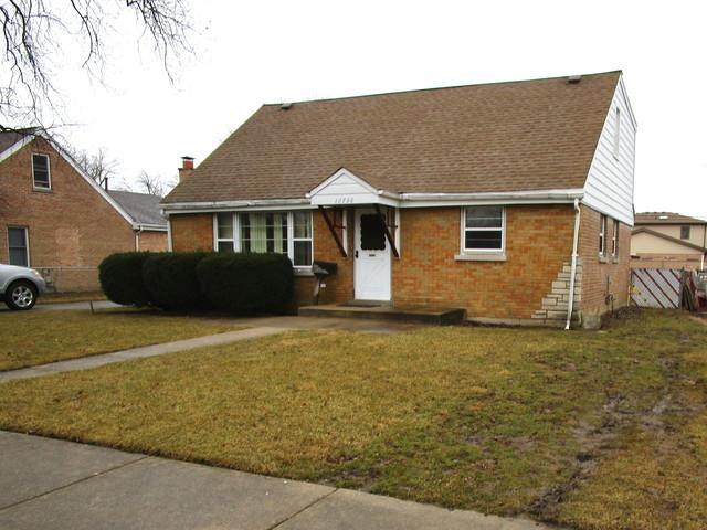 10736 S Mcvicker Avenue, Chicago Ridge, IL 60415 (MLS #10309878) :: The Dena Furlow Team - Keller Williams Realty