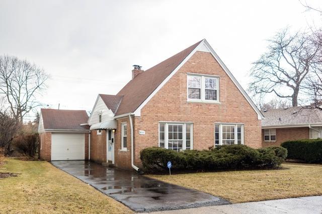 4551 W Pratt Avenue, Lincolnwood, IL 60712 (MLS #10309902) :: Ryan Dallas Real Estate