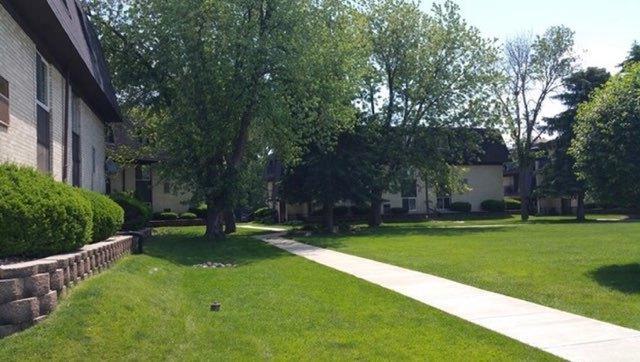 11103 S 84th Avenue 2A, Palos Hills, IL 60465 (MLS #10310044) :: HomesForSale123.com
