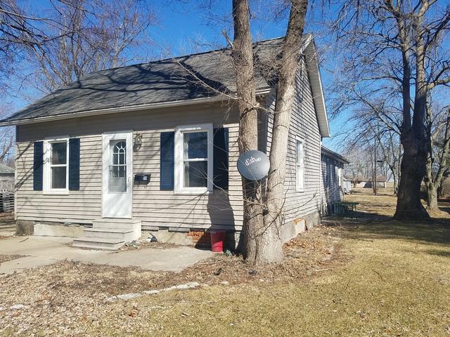 111 Maple Avenue, Minonk, IL 61760 (MLS #10310127) :: Ryan Dallas Real Estate