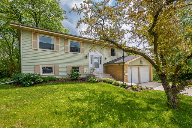 2S171 Huntington Court, Glen Ellyn, IL 60137 (MLS #10310256) :: HomesForSale123.com