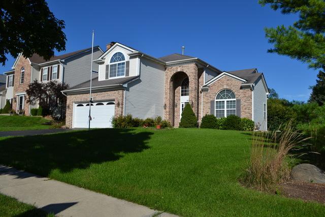 1695 Whispering Oaks Court, West Chicago, IL 60185 (MLS #10310299) :: HomesForSale123.com