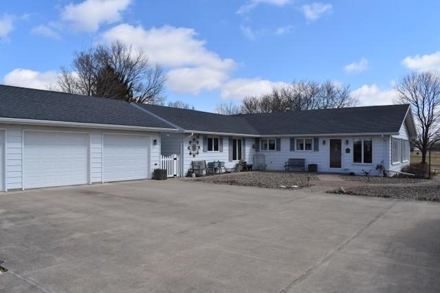 204 S Westview Drive, Pontiac, IL 61764 (MLS #10310359) :: HomesForSale123.com