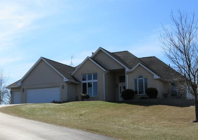 9227 Ridgeview Road, Belvidere, IL 61008 (MLS #10311123) :: The Dena Furlow Team - Keller Williams Realty