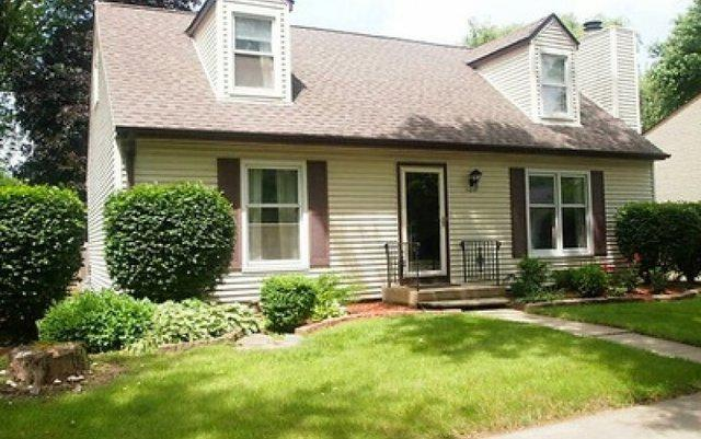 100 S Deerpath Drive, Vernon Hills, IL 60061 (MLS #10311193) :: Helen Oliveri Real Estate