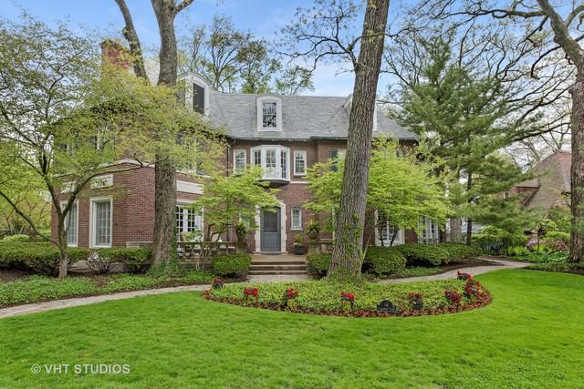 16 Canterbury Court, Wilmette, IL 60091 (MLS #10311281) :: Helen Oliveri Real Estate