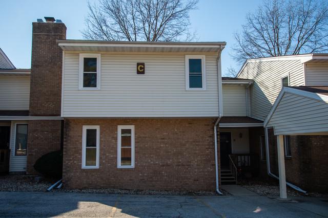 903 N Linden Street C20, Normal, IL 61761 (MLS #10311324) :: John Lyons Real Estate