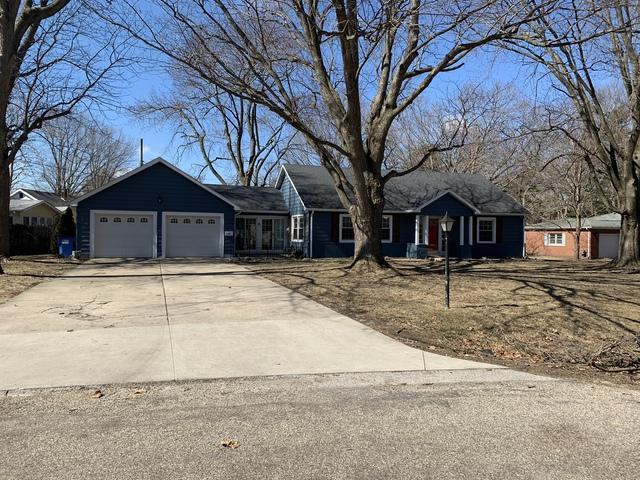910 S Buchanan Drive, MONTICELLO, IL 61856 (MLS #10311665) :: Ryan Dallas Real Estate