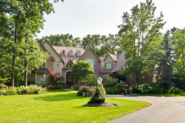 2240 Churchill Circle, Libertyville, IL 60048 (MLS #10311922) :: Helen Oliveri Real Estate