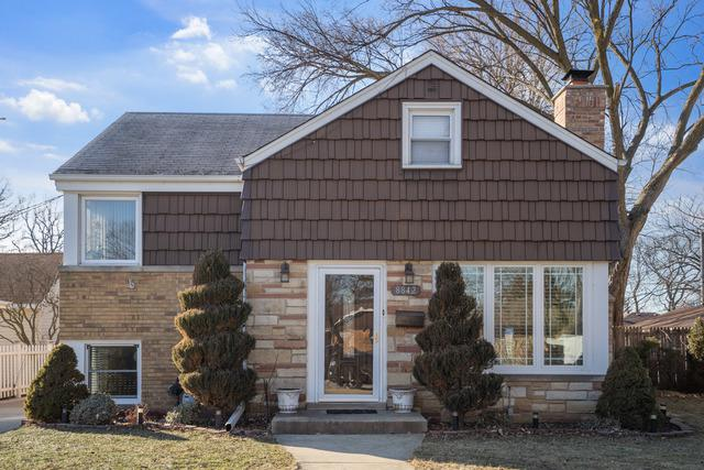 8842 Austin Avenue, Morton Grove, IL 60053 (MLS #10312029) :: Helen Oliveri Real Estate