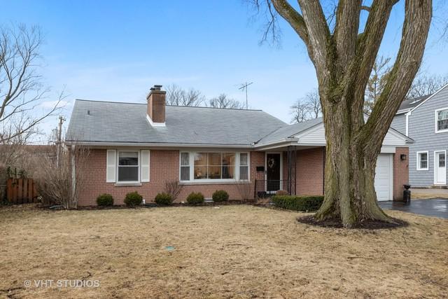 1949 Robincrest Lane, Glenview, IL 60025 (MLS #10312468) :: Helen Oliveri Real Estate