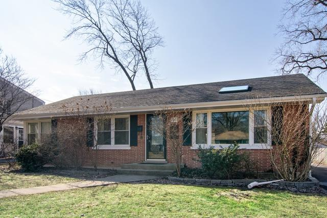1910 E Liberty Drive, Wheaton, IL 60187 (MLS #10312545) :: HomesForSale123.com