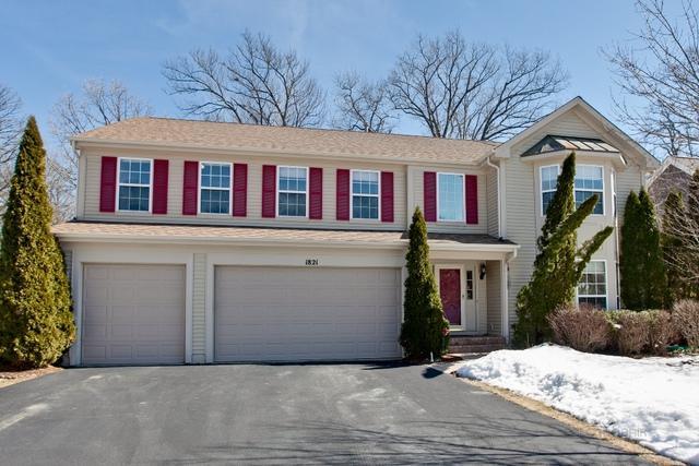 1821 S Falcon Drive, Libertyville, IL 60048 (MLS #10312731) :: Helen Oliveri Real Estate