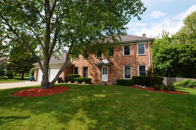 1344 Trinity Place, Libertyville, IL 60048 (MLS #10312963) :: Helen Oliveri Real Estate