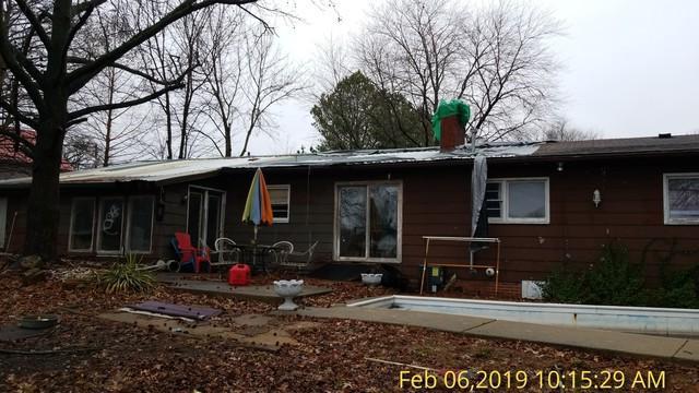 1810 E Poplar Street, West Frankfort, IL 62896 (MLS #10312977) :: Ryan Dallas Real Estate