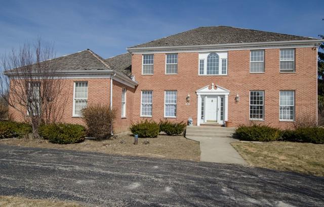 188 Peregrine Lane, Hawthorn Woods, IL 60047 (MLS #10313028) :: Helen Oliveri Real Estate
