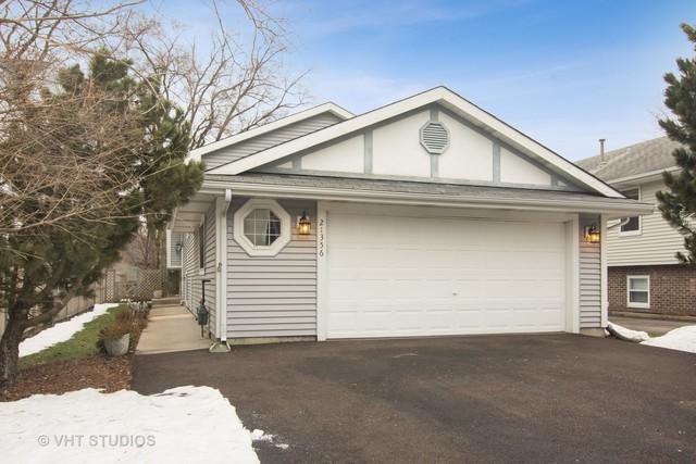 21356 W Highland Drive, Lake Zurich, IL 60047 (MLS #10313182) :: Helen Oliveri Real Estate