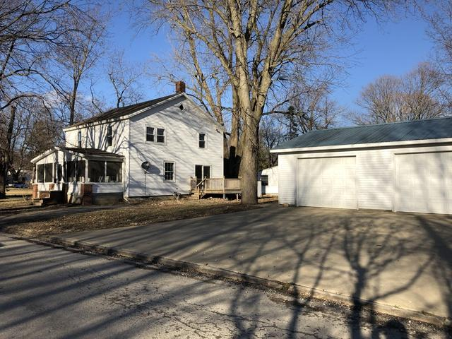 120 N Plum Street, Farmer City, IL 61842 (MLS #10313187) :: Baz Realty Network   Keller Williams Preferred Realty