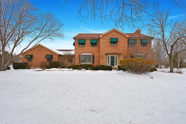 1 Canterbury Lane, Hawthorn Woods, IL 60047 (MLS #10313243) :: Helen Oliveri Real Estate