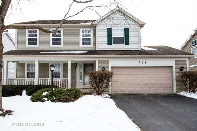 935 Concord Circle, Mundelein, IL 60060 (MLS #10313295) :: Helen Oliveri Real Estate