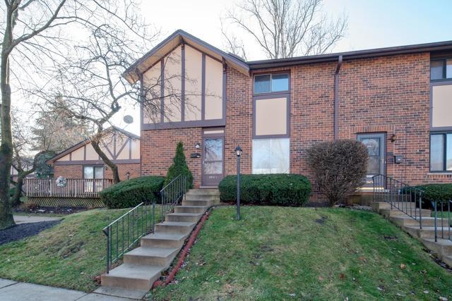 18W173 Lowell Lane, Villa Park, IL 60181 (MLS #10313417) :: Helen Oliveri Real Estate
