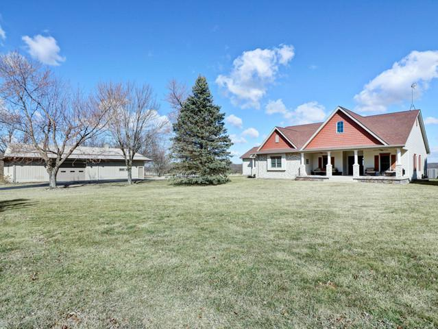 35164 S Hillview Drive, Wilmington, IL 60481 (MLS #10313664) :: Helen Oliveri Real Estate