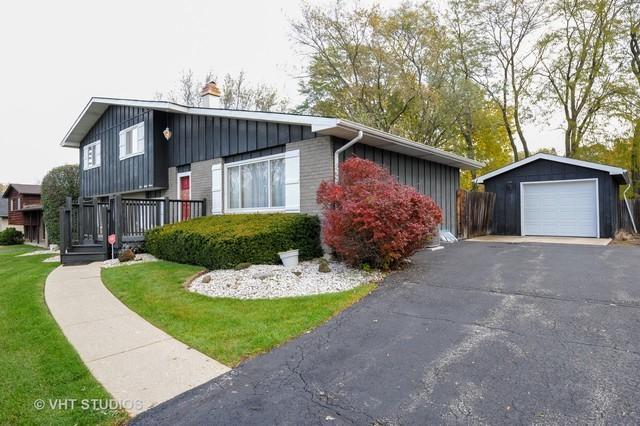 427 Pine Grove Avenue, Gurnee, IL 60031 (MLS #10313741) :: HomesForSale123.com