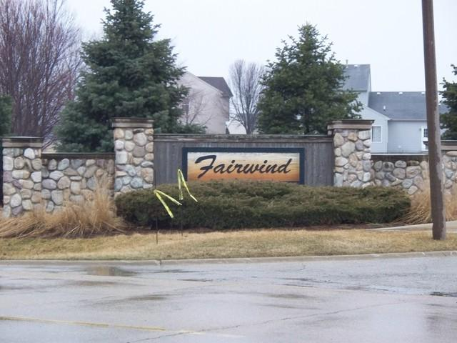 1303 Oakmont Court, Sandwich, IL 60548 (MLS #10313964) :: Berkshire Hathaway HomeServices Snyder Real Estate