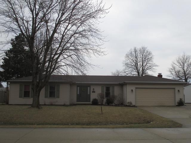 40 N Prairieview Avenue, Tuscola, IL 61953 (MLS #10314666) :: The Dena Furlow Team - Keller Williams Realty