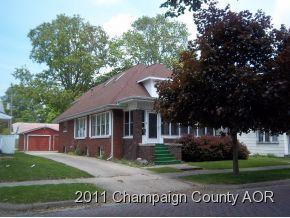 208 E Sale Street, Tuscola, IL 61953 (MLS #10314729) :: Ryan Dallas Real Estate