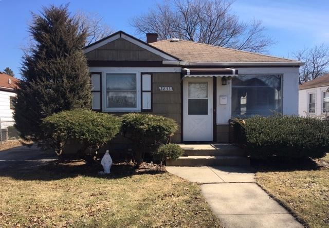 2833 Maple Street, Franklin Park, IL 60131 (MLS #10314782) :: Janet Jurich Realty Group