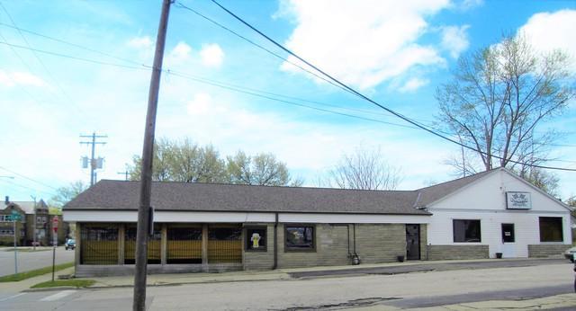 801 Main Street, Bloomington, IL 61701 (MLS #10314817) :: Janet Jurich Realty Group