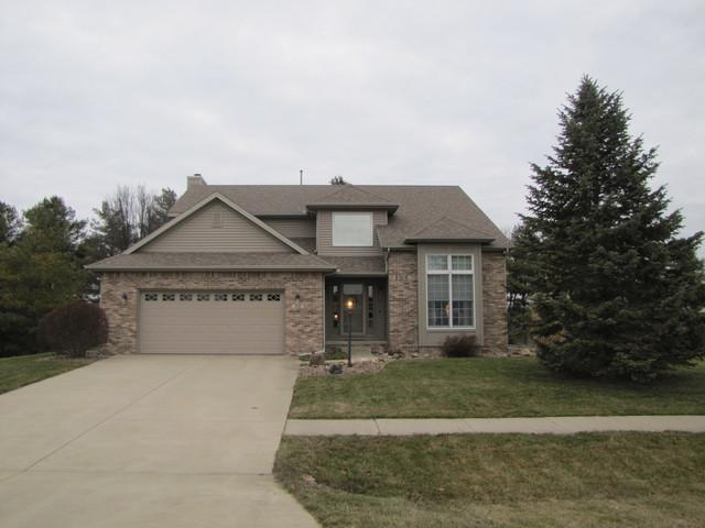 112 Falcon Ridge Drive, LEROY, IL 61752 (MLS #10315127) :: Berkshire Hathaway HomeServices Snyder Real Estate