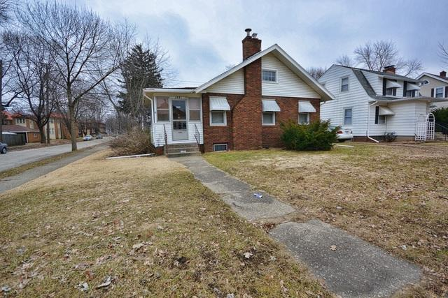 2221 Douglas Street, Rockford, IL 61103 (MLS #10315644) :: HomesForSale123.com