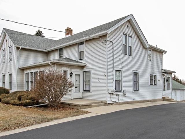 442-444 W South Street, Woodstock, IL 60098 (MLS #10315977) :: Lewke Partners