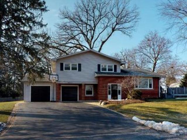 5637 W Woodhill Drive, Gurnee, IL 60031 (MLS #10316103) :: HomesForSale123.com