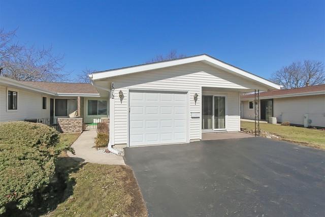 1012 Chelsea Lane #1012, Schaumburg, IL 60193 (MLS #10316139) :: Helen Oliveri Real Estate