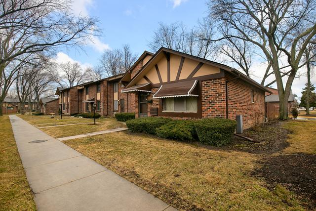 1S175 Dillon Lane, Villa Park, IL 60181 (MLS #10316190) :: Helen Oliveri Real Estate
