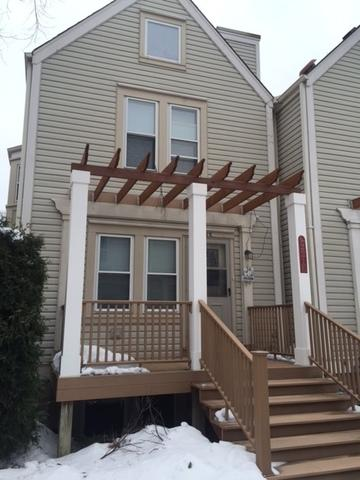 221 N Walnut Street E, Bensenville, IL 60106 (MLS #10316212) :: Helen Oliveri Real Estate
