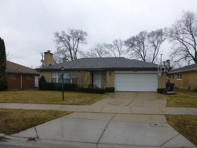 4715 Enfield Avenue, Skokie, IL 60076 (MLS #10316381) :: The Dena Furlow Team - Keller Williams Realty