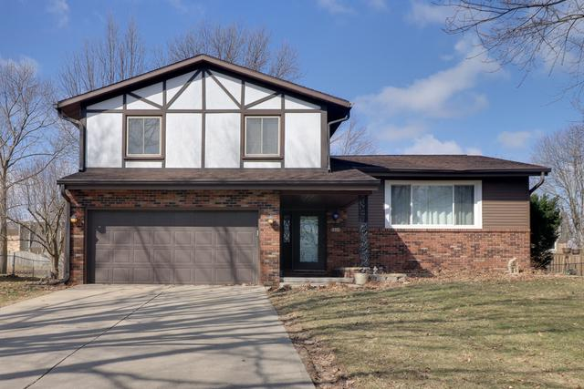 109 S Williamsburg Drive, Bloomington, IL 61704 (MLS #10316406) :: Janet Jurich Realty Group