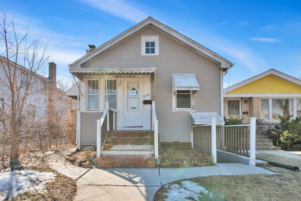 2124 Emerson Street, Evanston, IL 60201 (MLS #10317483) :: Baz Realty Network   Keller Williams Preferred Realty