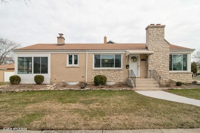 2258 S 8th Avenue, North Riverside, IL 60546 (MLS #10317693) :: Domain Realty