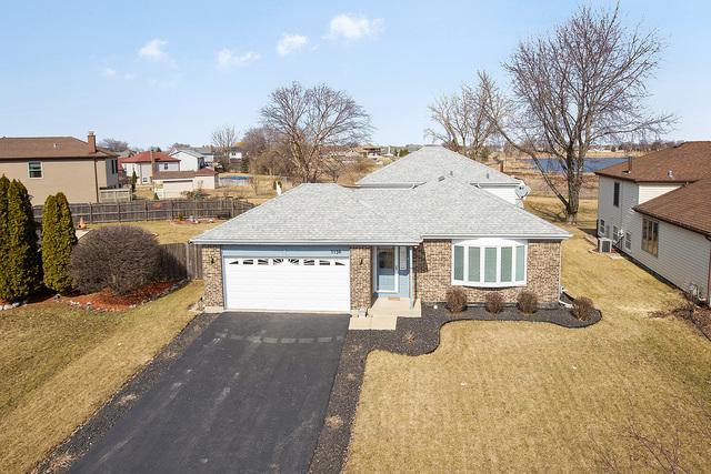 7736 W Frankfort Square Road, Frankfort, IL 60423 (MLS #10317762) :: Helen Oliveri Real Estate