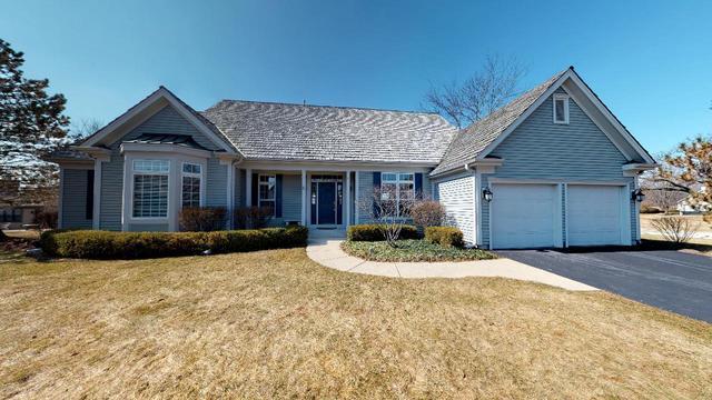 6279 Merit Club Lane, Libertyville, IL 60048 (MLS #10317896) :: Helen Oliveri Real Estate