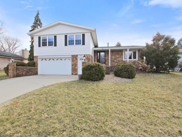 2807 Capen Drive, Bloomington, IL 61704 (MLS #10317966) :: Helen Oliveri Real Estate