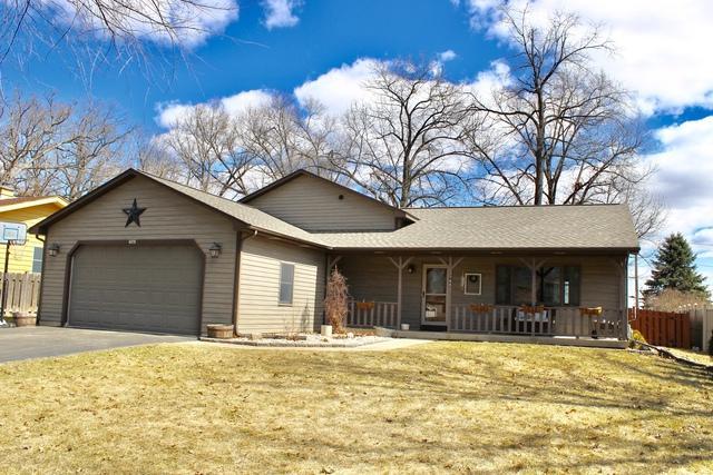 748 Cynthia Drive, Lake Holiday, IL 60548 (MLS #10318061) :: Baz Realty Network | Keller Williams Preferred Realty