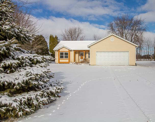 470 Lasalle Drive, Lake Holiday, IL 60552 (MLS #10318235) :: Baz Realty Network | Keller Williams Preferred Realty
