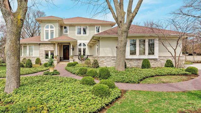 4 Calleview Drive, La Grange, IL 60525 (MLS #10318244) :: Angela Walker Homes Real Estate Group