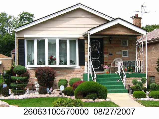 9226 S Colfax Avenue, Chicago, IL 60617 (MLS #10319323) :: Domain Realty
